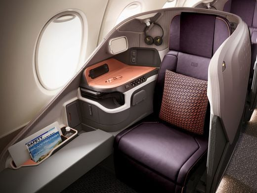 new singapore airlines suite