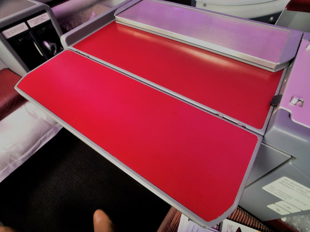 Latam business class TRAY TABLE (1)