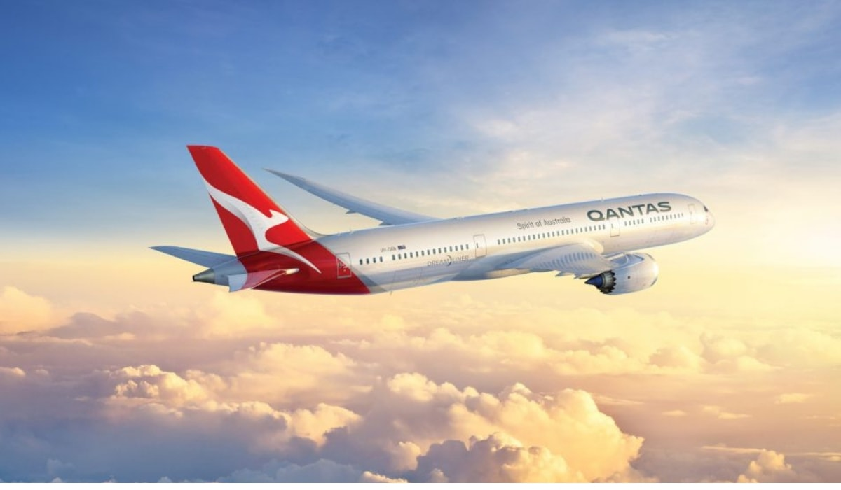 St.George Amplify Signature: 80k Qantas points + reduced annual fee