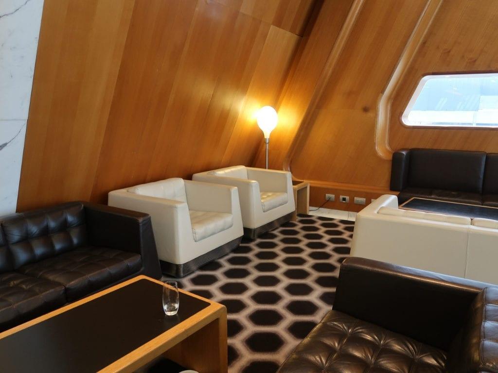 qantas first class lounge sydney 10