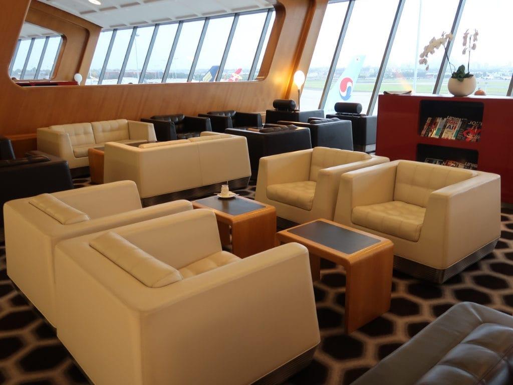 qantas first class lounge sydney 12