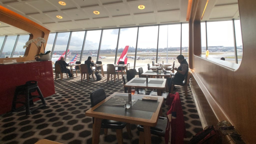 qantas first class lounge sydney dining long