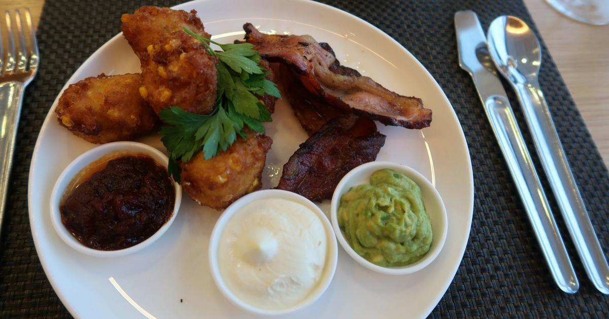 qantas first class breakfast