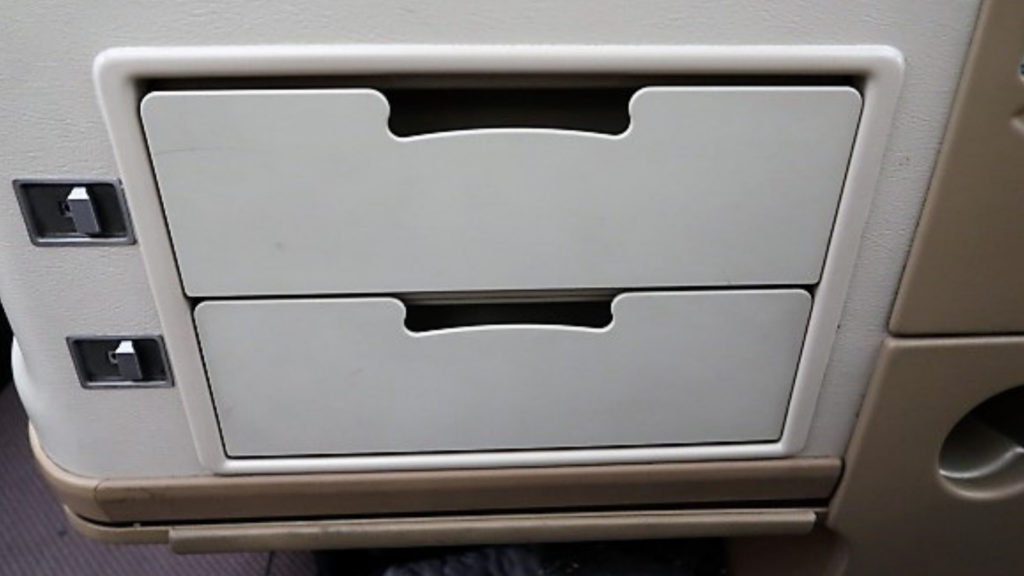 singapore airlines a330 business class storage drawer