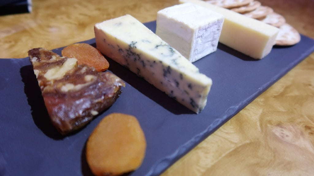 emirates business class a380 cheese plate