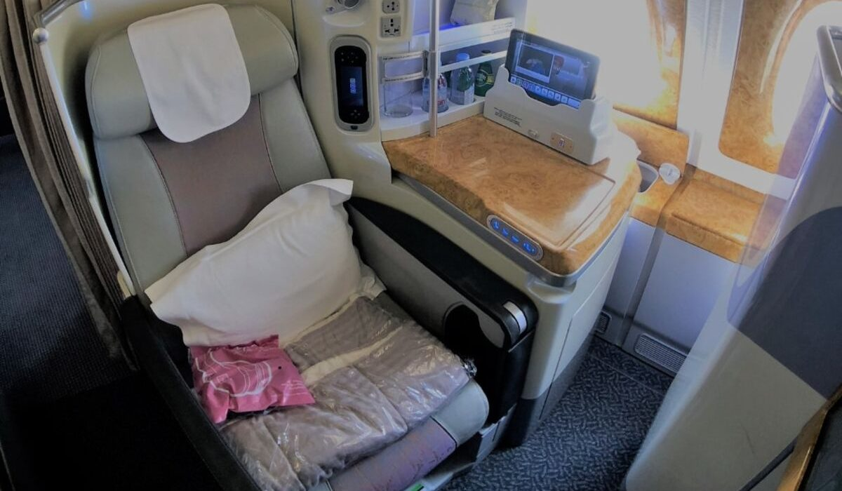 emirates business class review a380 seat view wide