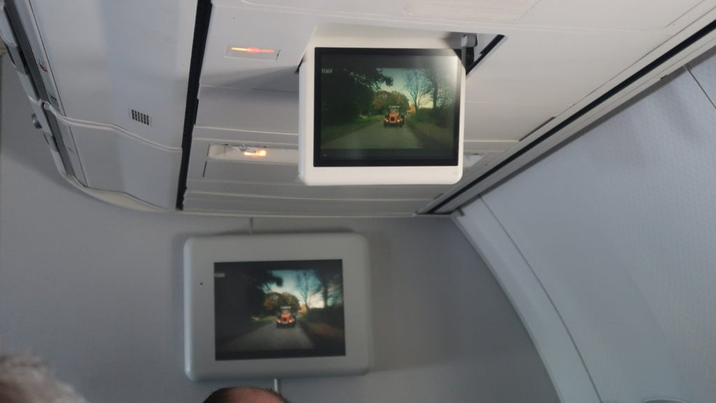 qantas 737 domestic business class entertainment screens
