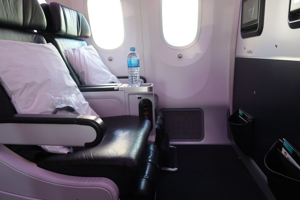 leather premium economy seats - air new zealand premium economy