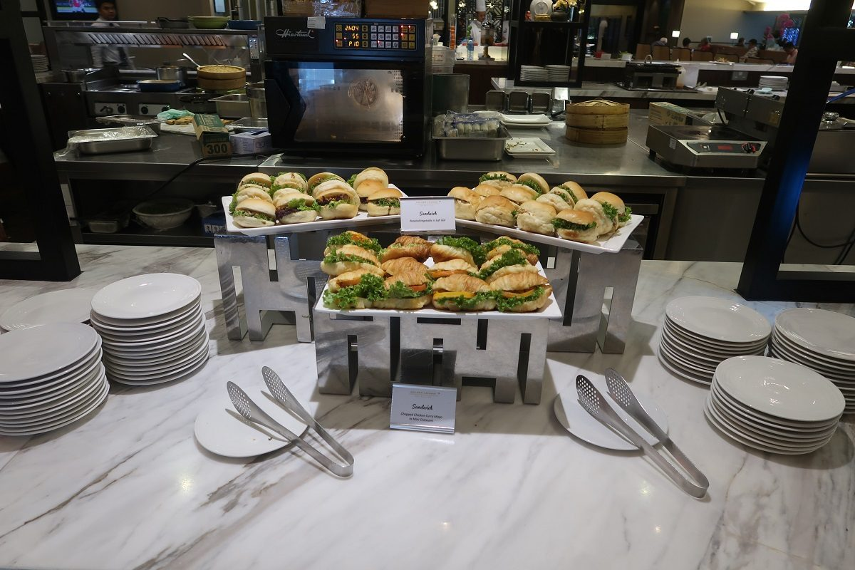 Malaysia Airlines KL Golden Lounge Satellite Terminal food sandwiches 2