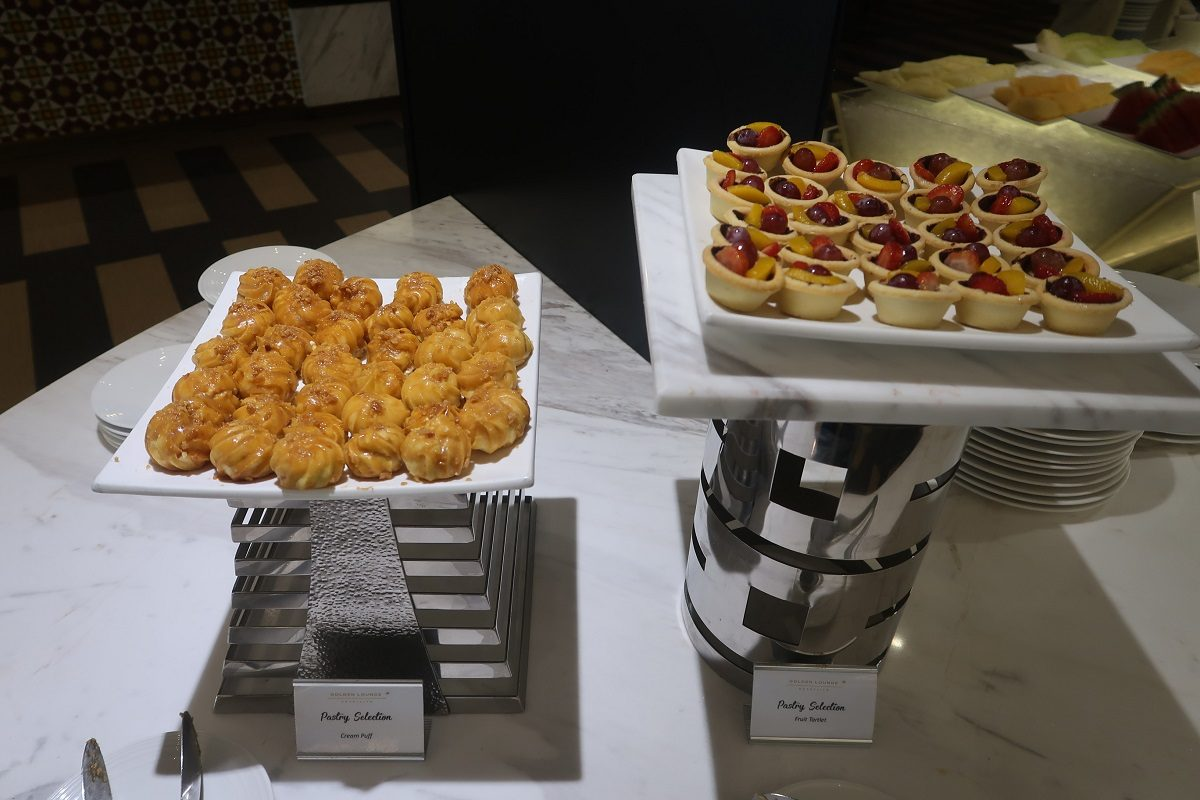 Malaysia Airlines KL Golden Lounge Satellite Terminal food tartlets
