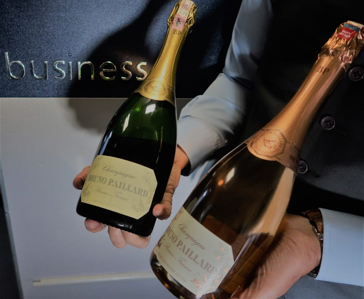 Malaysia Airlines Business Class KUL to ADE pic champagne and rose