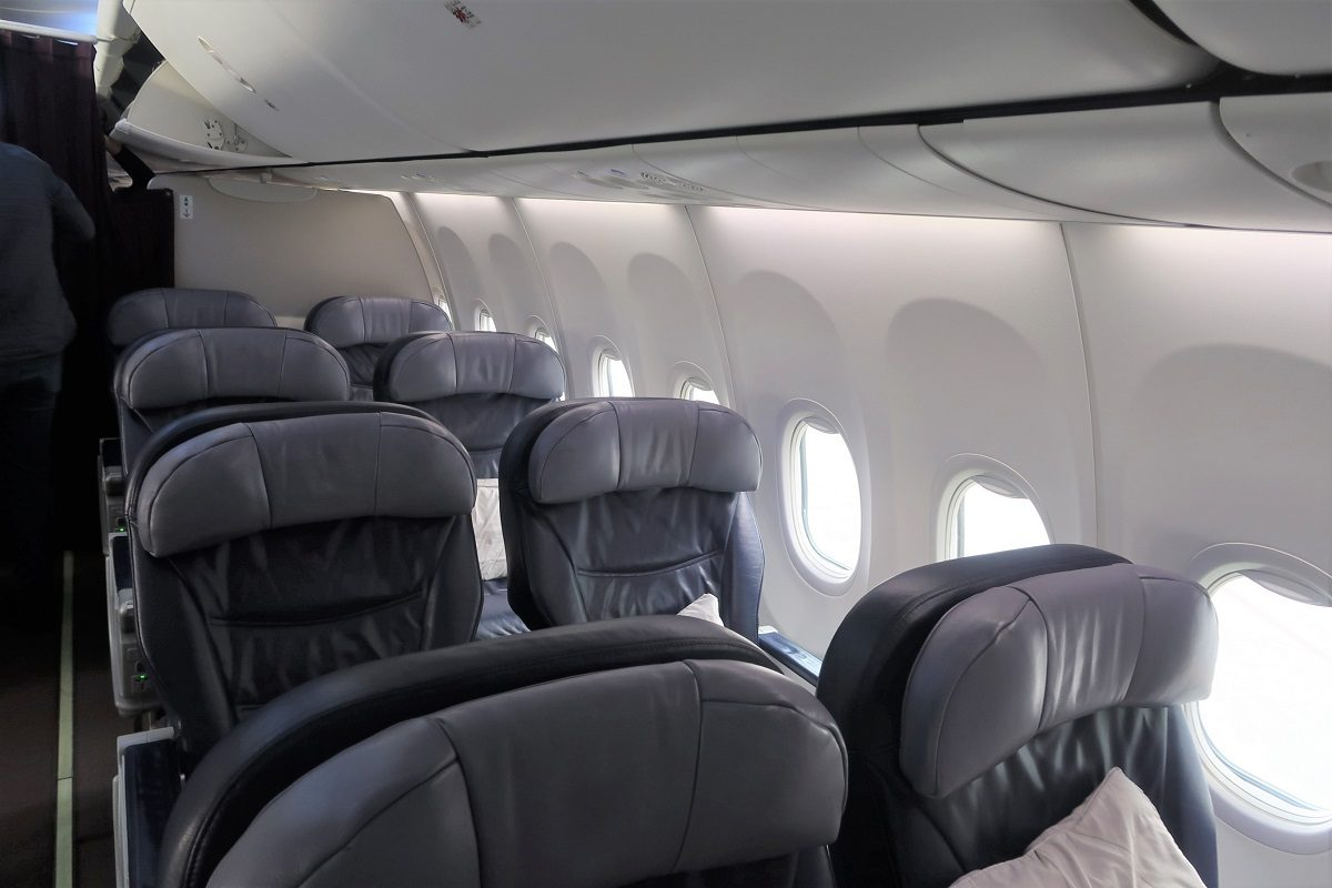 Malaysia Airlines business class SIN to KUL seating