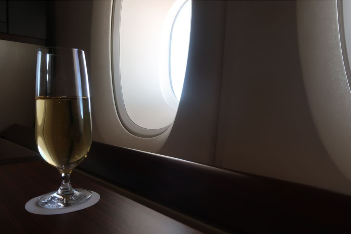 Singapore Airlines old A380 First Class Suite champagne