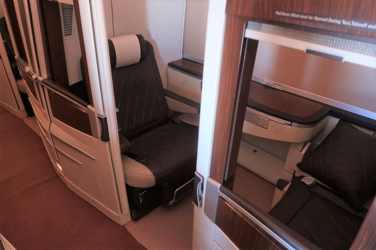 Singapore Airlines old A380 First Class Suite seat