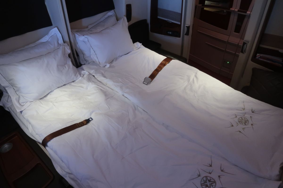Singapore Airlines old A380 First Class Suite double