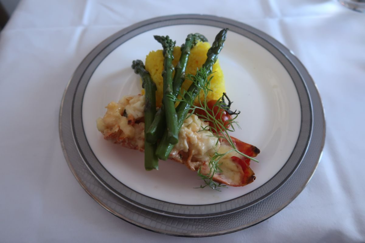 Singapore Airlines old A380 First Class Suite lobster thermidor