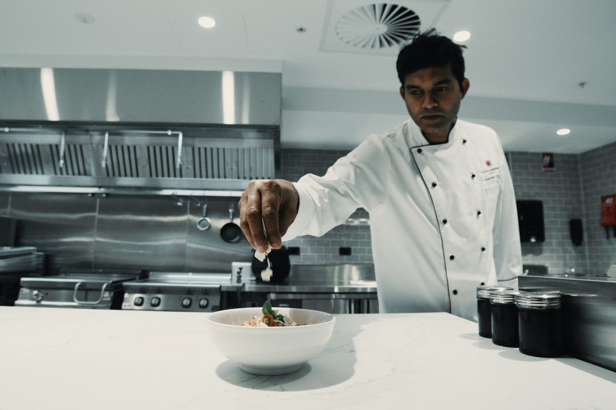 American Express Lounge, Sydney Airport: Buffet and live cooking station Source: American Express
