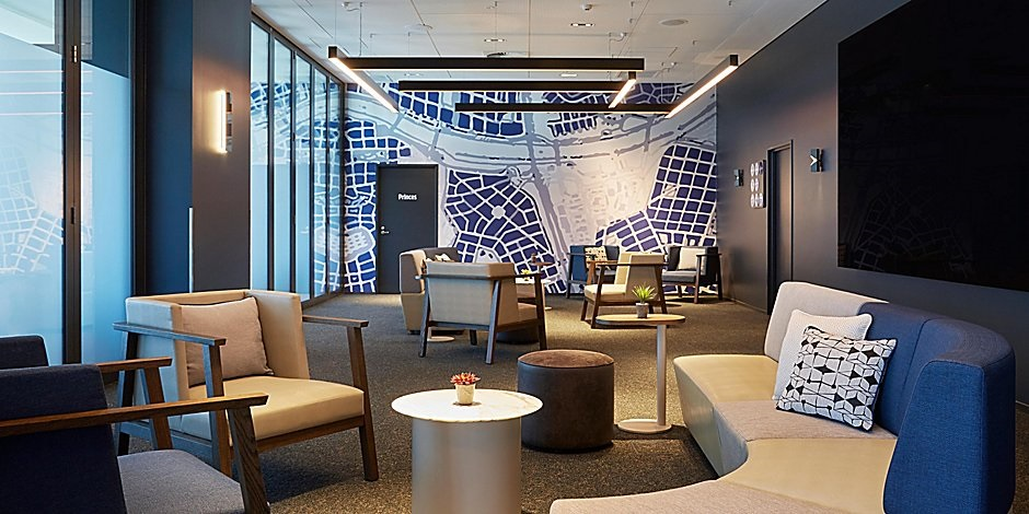 Holiday Inn Express Melbourne Southbank lobby 1