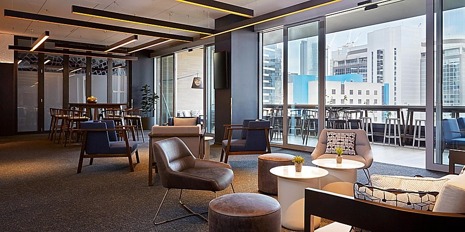 Holiday Inn Express Melbourne Southbank lobby 2