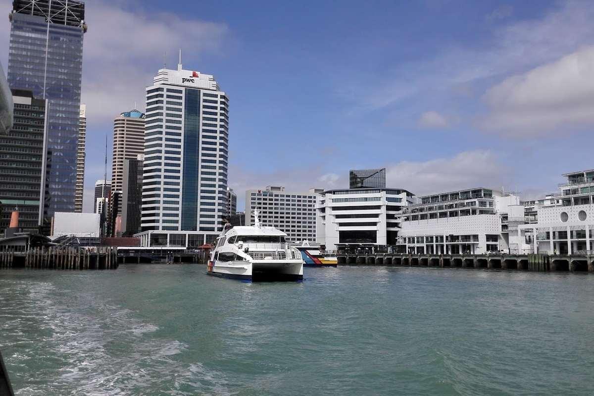 Waiheke Ferry leaving Auckland City CBD