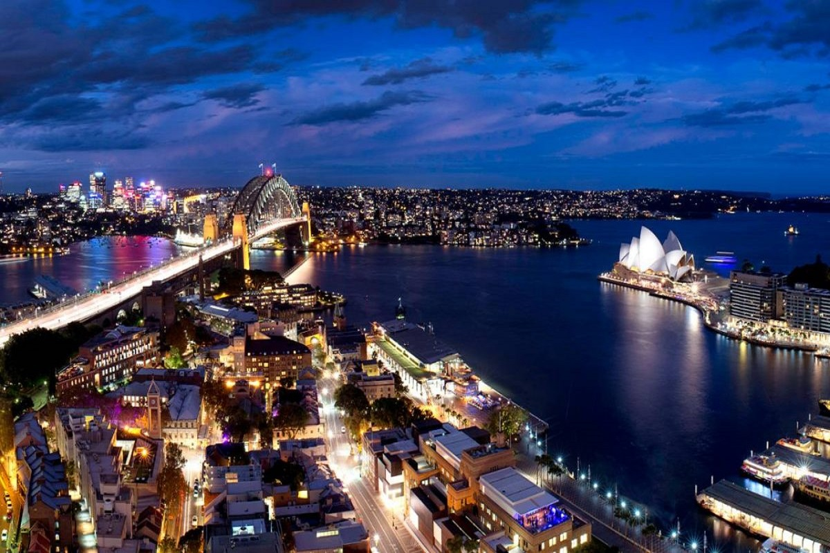 sydney lights bargain staycation