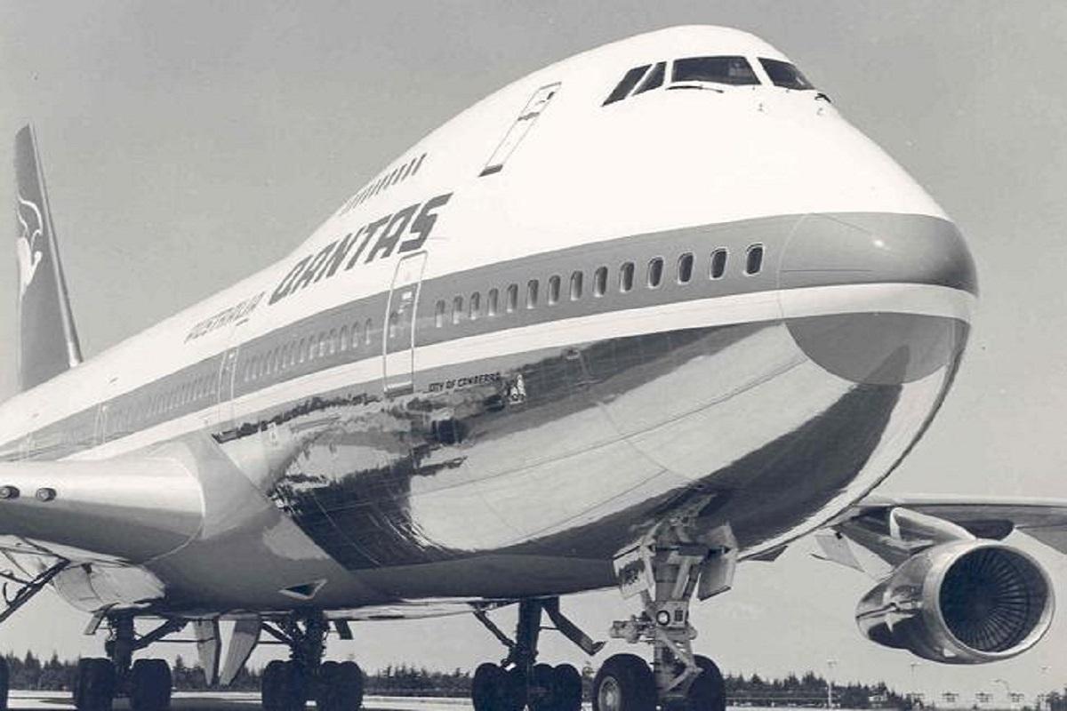 qantas 747 retro
