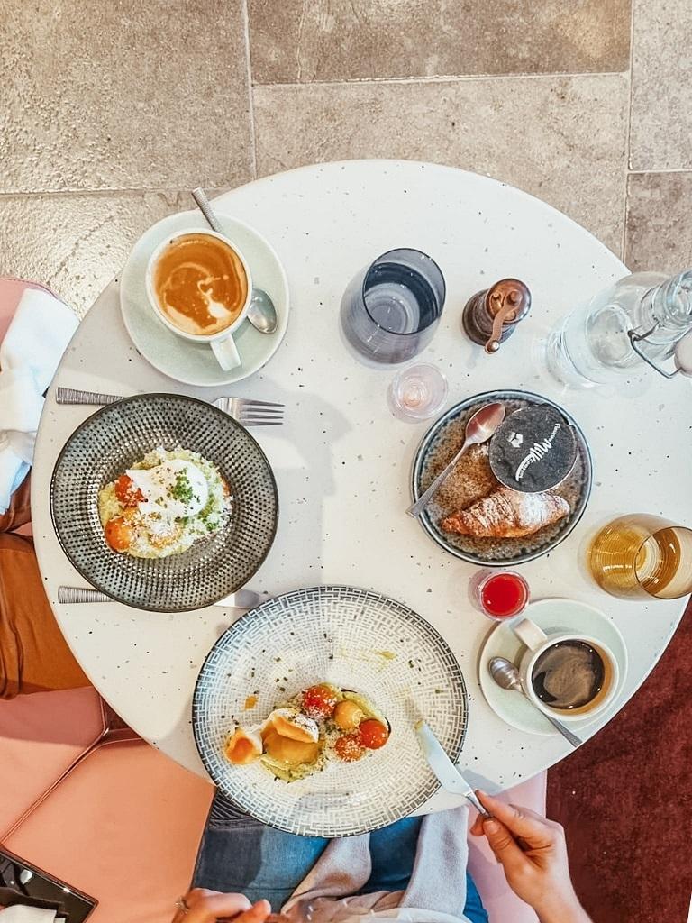 Hotel Indigo Central Markets Adelaide breakfast