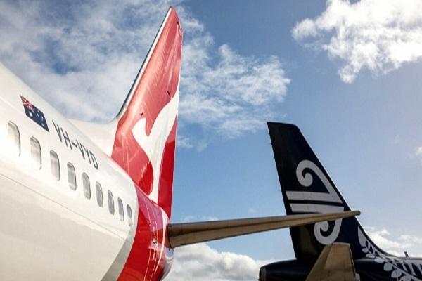 qantas air new zealand plane tails