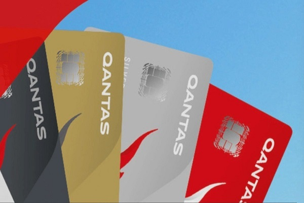 qantas frequent flyer card spread