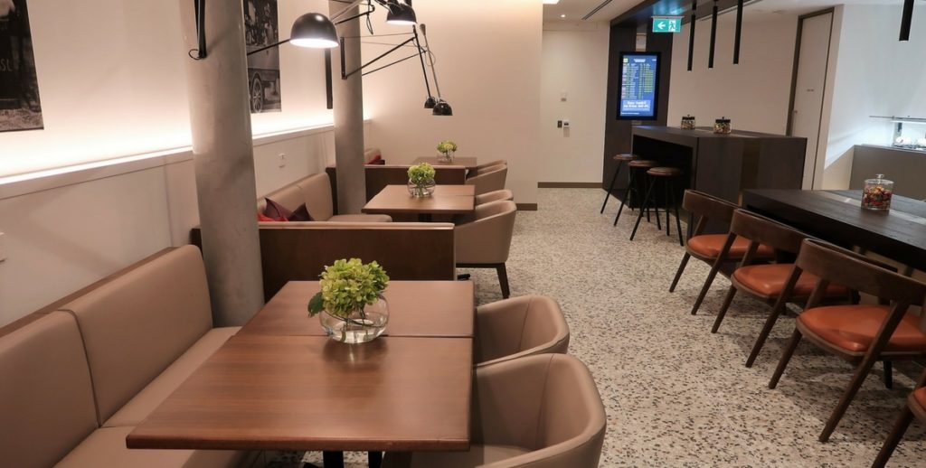 AMEX lounge dining
